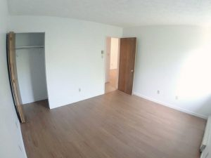2 Bedrooms - Room with closet - Oxford Residence - Affordable Rents in Lennoxville, Sherbrooke Spacious & clean apartments