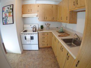 3 et demi - Cuisine. Des loyers abordables à Lennoxville, Sherbrooke, Appartements Oxford spacieux et propres