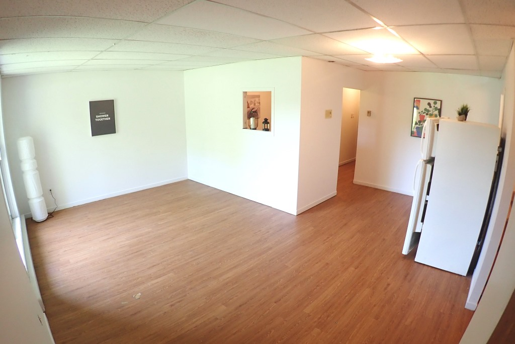 2 et demi / Bachelor - Chambre avec placard. Des loyers abordables à Lennoxville, Sherbrooke, Appartements Oxford spacieux et propres
